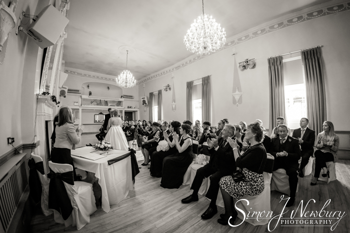first kiss Cheshire Wedding Photographer