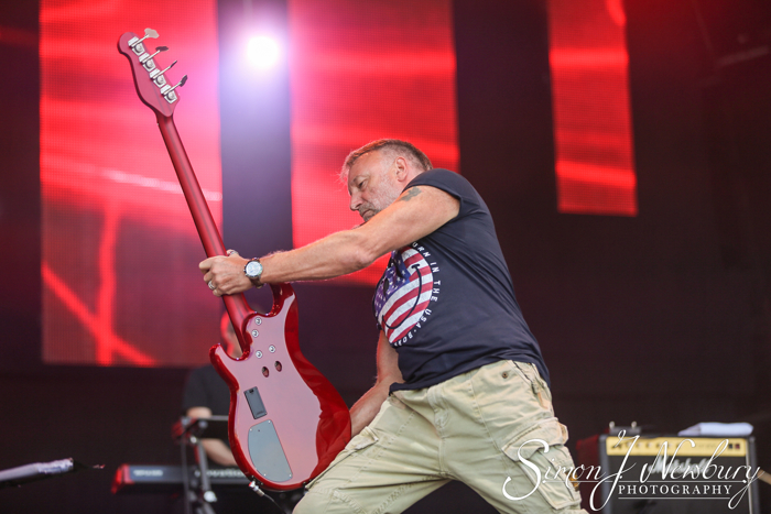 Cool Britannia Festival photo gallery - live music photography Knebworth